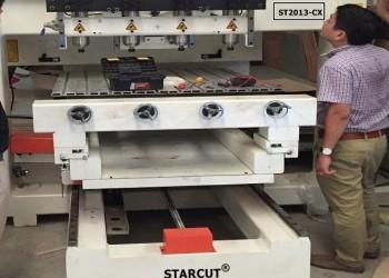 Máy CNC đục tượng 4 đầu